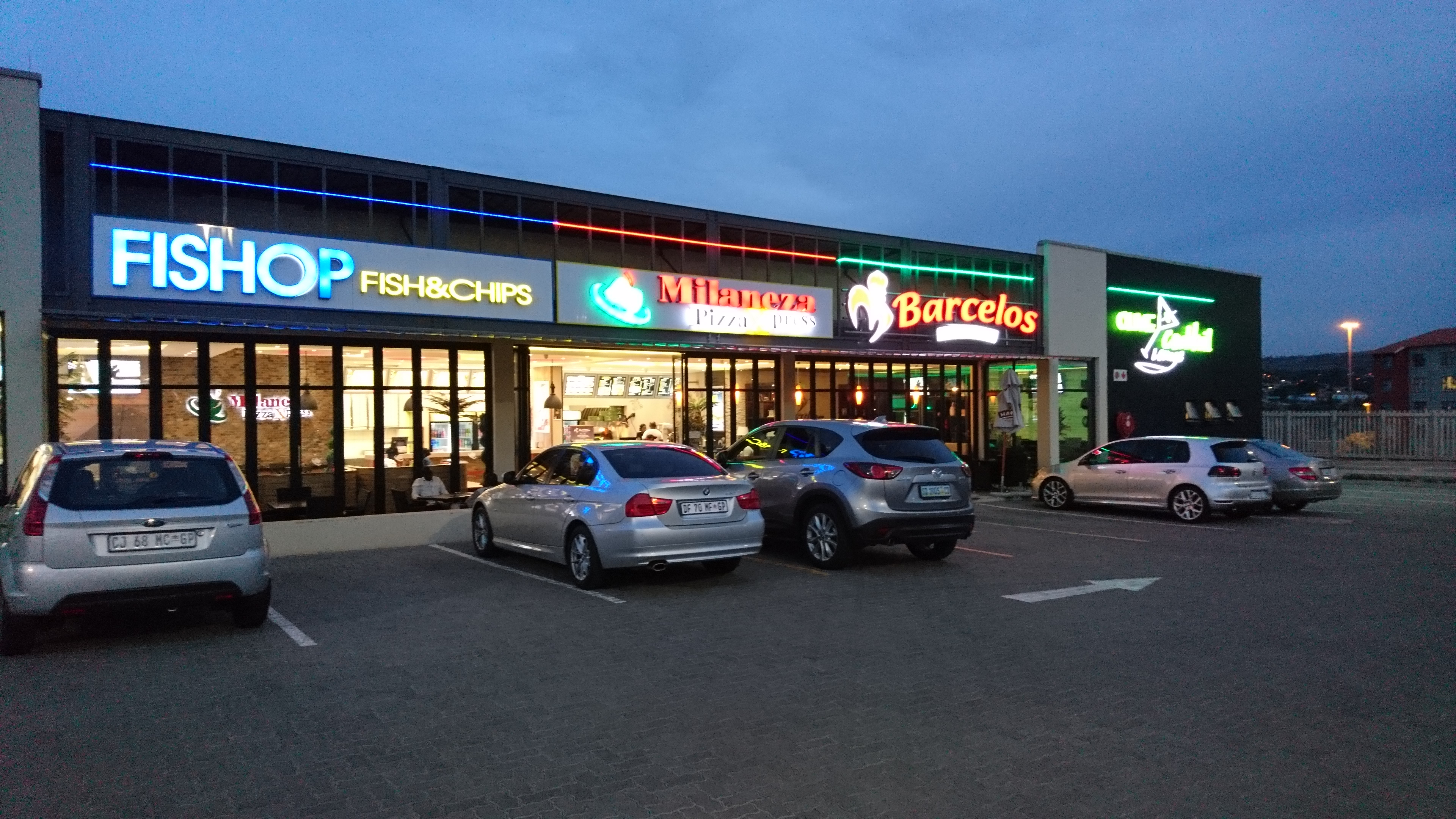 Fastfood outlets at Madeira shopping centre